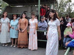 4. Retroden, 15.9.2012, módní přehlídka-společenské šaty, 01